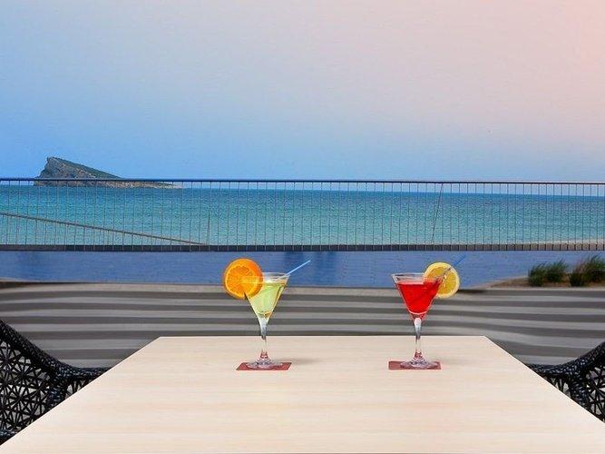 Bar-terrasse villa del mar hôtel benidorm